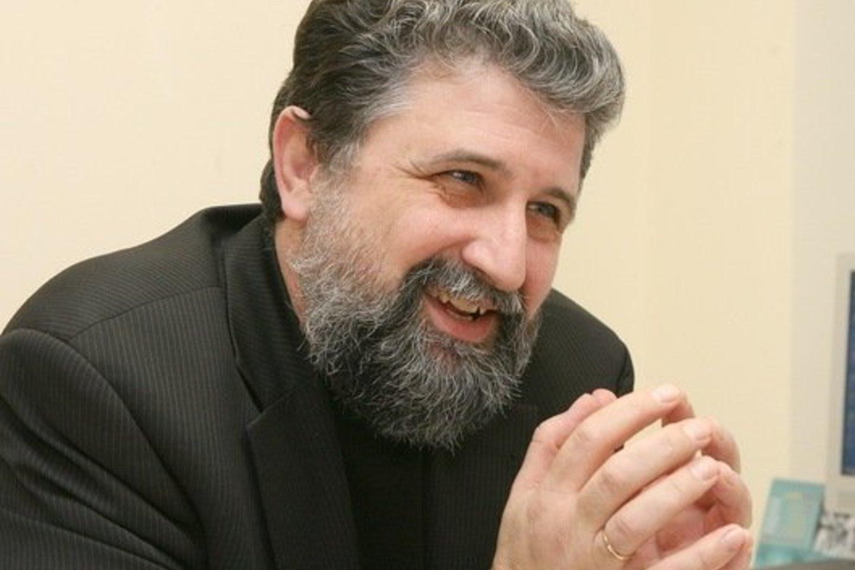 R.Garbaravičius užsimojo pamokyti komentatorius, kaip reikia rašyti.