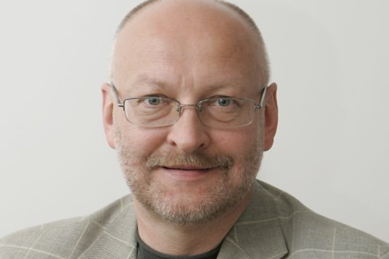 Portalo vyriausiasis redaktorius Rimvydas Valatka - gyvas ir sveikas. Jo pagrobimas - režisierės Dalios Ibelhauptaitės idėja. Ji - penktadienio lrytas.lt vyriausioji redaktorė.