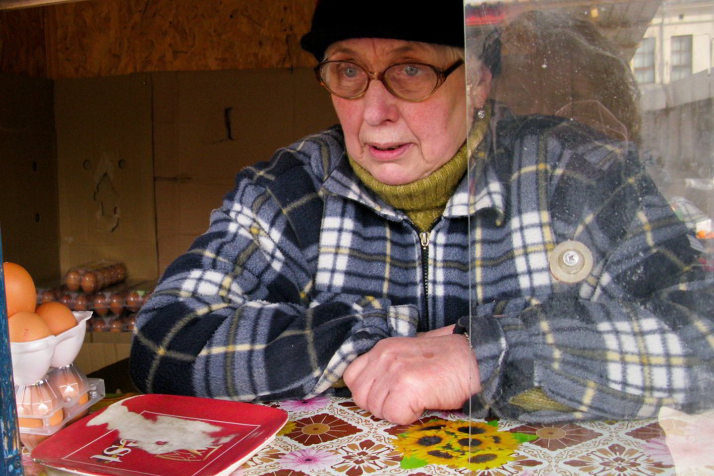 pensininkas ieško darbo iš namų