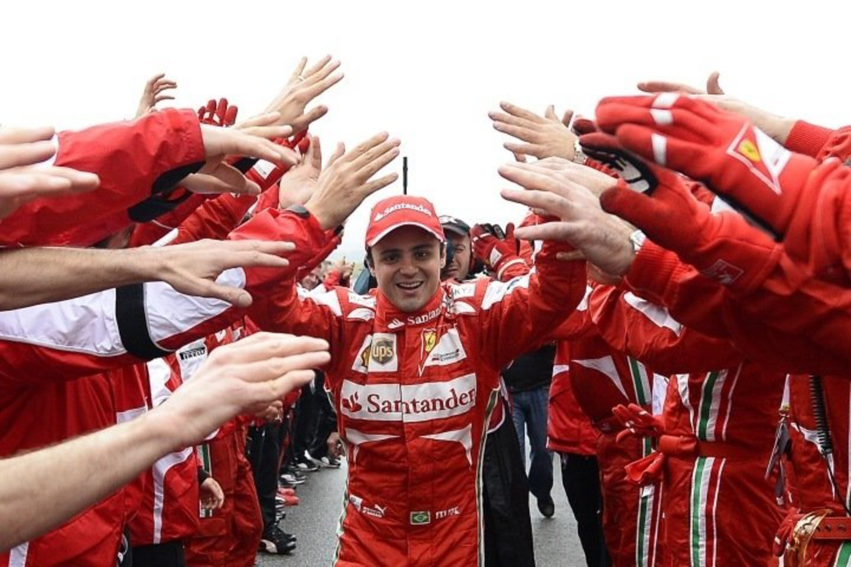"""F.Massa su """"Ferrari"""" bolidu pravažiuos dvi paskutines lenktynes.<br>AP nuotr."""