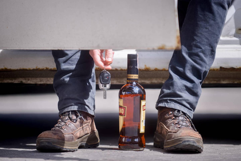 Dažniausiai net ir lengvas apsvaigimas nuo alkoholio lemia, kad įvykis gali būti pripažintas nedraudžiamuoju, o tai labai susiaurina draudimo apsaugą, ypač savaitgaliais<br>J.Stacevičiaus nuotr.