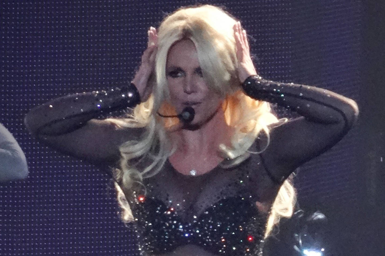 Per koncertą B.Spears išsmuko prisegamų plaukų sruogos.<br>ViDA Press nuotr.