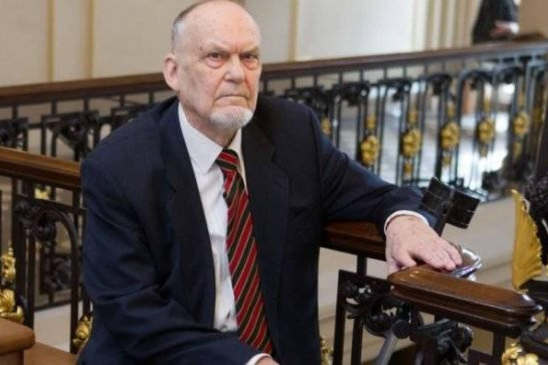 V.Drotvinas Lietuvos mokslo premiją gavo už Mažosios Lietuvos raštijos paveldo, leksikografijos tyrimą.<br>V. Skaraičio (BFL) nuotr.