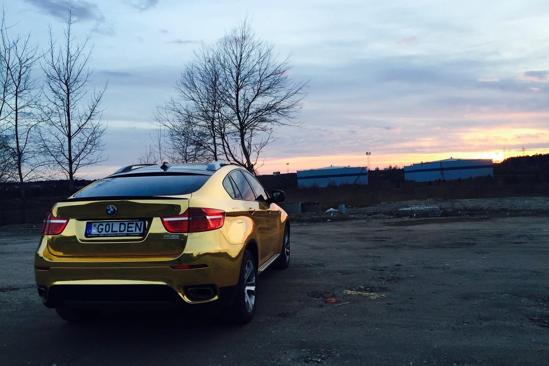 "Auksu žibantis BMW X6.<br>""Re-Styling.lt"" nuotr."