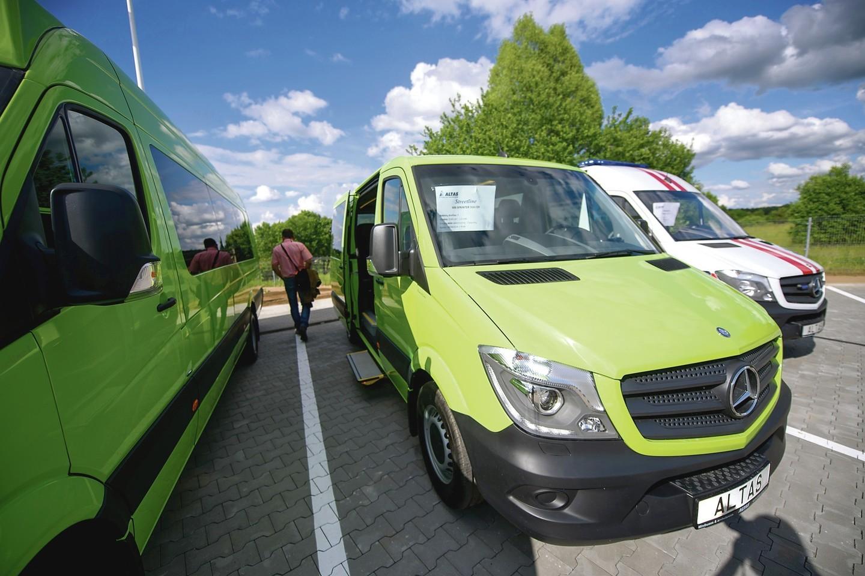 Bendrovė tikisi per metus užsakovams pristatyti po 350 autobusų.