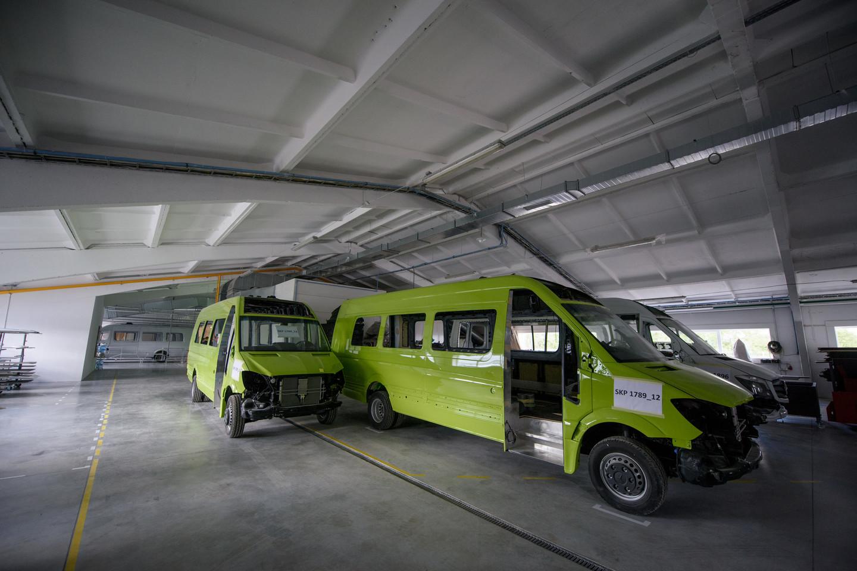 """Buvusioje apleistų fermų teritorijoje """"Altas komercinis transportas"""" įkūrė naują 8 tūkst. kv. metrų ploto gamyklą.<br>D.Umbraso nuotr."""