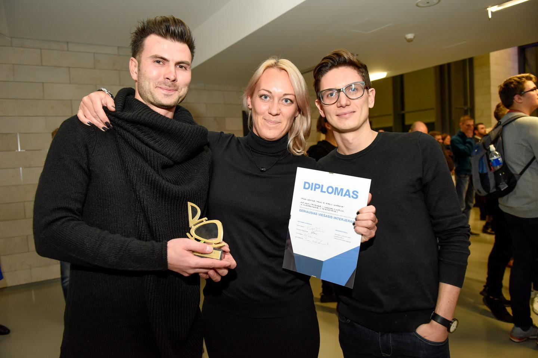 """Geriausio viešojo interjero apdovanojimas skirtas architektams iš """"Vilniaus Architektūros studijos"""".<br>D.Umbraso nuotr."""