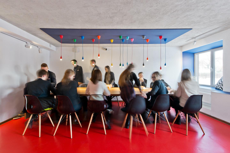 LSMU gimnazijos rekonsrukcijos autorės – architektės Edita Stankevičiūtė Righetto ir Ieva Valskytė.<br>L.Garbačausko nuotr.
