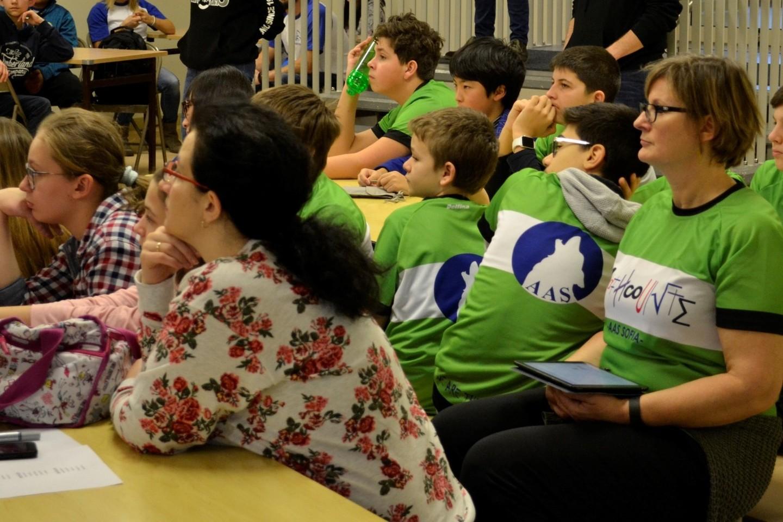 Dvi dienas vykusios olimpiados metu 20 moksleivių komandų turėjo atlikti komandines ir individualias užduotis raštu.
