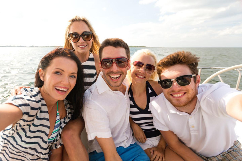 Pasiplaukioti ant vandens keltu, laiveliu ar net valtimis šviečiant skaisčiai saulei – didelis malonumas tiek suaugusiems, tiek vaikams.<br>123rf nuotr.