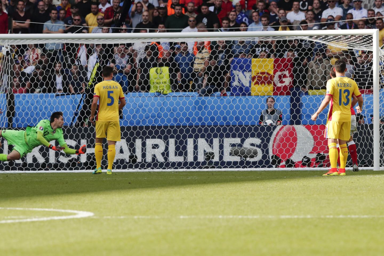 Rumunijos ir Šveicarijos rungtynės.<br>AP nuotr.