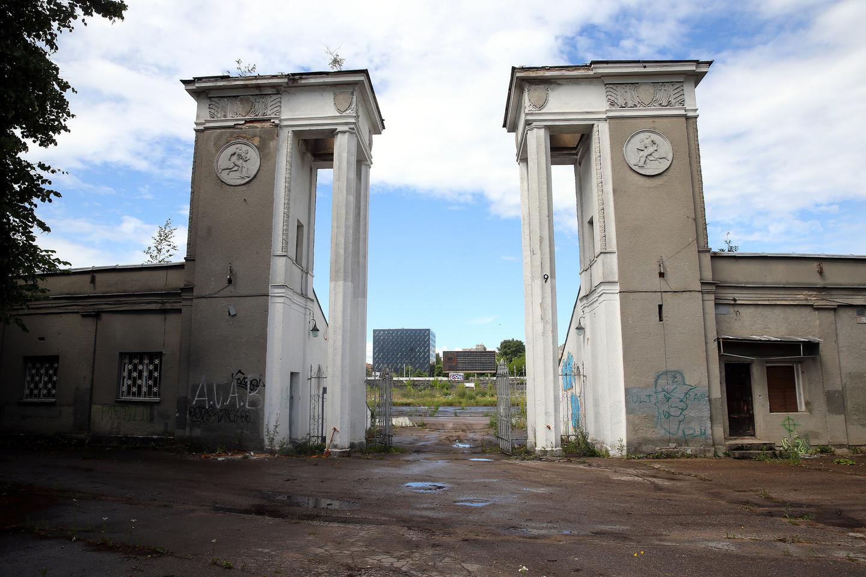 Planuojama centrinius vartus įkomponuoti į naujojo viešbučio fasadą.<br>R.Danisevičiaus nuotr.