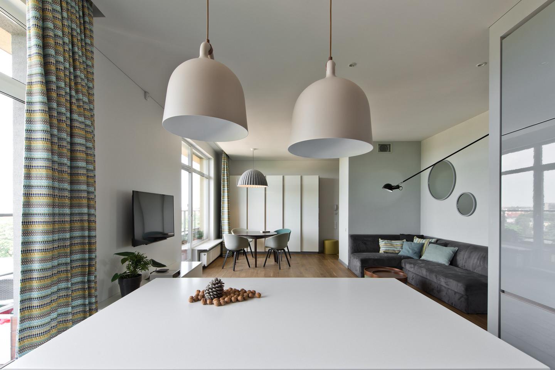 Erdvų šeimos būstą Vilniuje architektė Renata Mockutė kūrė trejus metus.<br>L.Garbačausko nuotr.