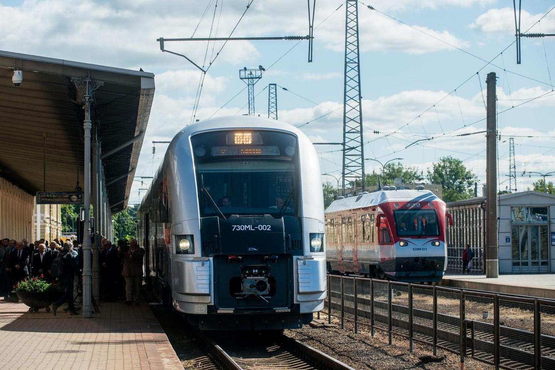 """Visuose traukiniuose tarp Vilniaus ir Kauno vasaros viduryje pradėjo veikti nemokamas """"Wi-Fi"""".<br>J.Stacevičiaus nuotr."""