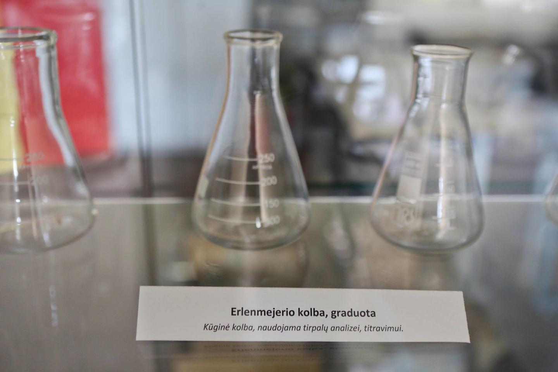 Chemijos mėgėjai čia turi ką veikti.<br>G.Bitvinsko nuotr.