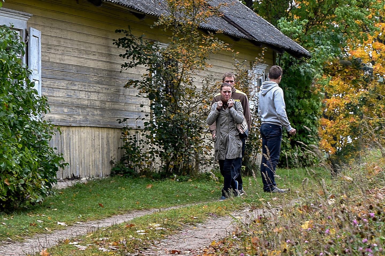 Suvažinėtos mergaitės motina Violeta atsisakė savo vaikų ir globą perdavė savo motinai.<br>V.Ščiavinsko nuotr.