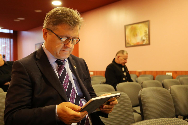 Susirinkime kaip savo įkurtos Respublikonų partijos vadovas dalyvavo ir buvęs Seimo narys, dabartinis Biržų rajono meras V.Valkiūnas.<br>R.Vitkaus nuotr.