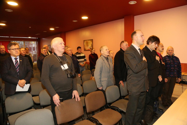 Susirinkimas prasidėjo tautiškos giesmės giedojimu.<br>R.Vitkaus nuotr.