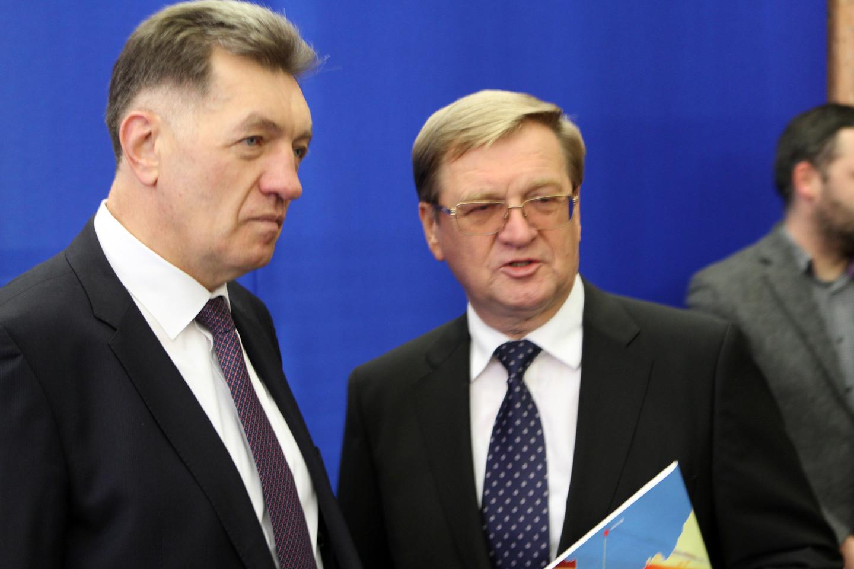 """Vyriausybėje – neskelbtas premjero, susisiekimo ministro ir """"Lietuvos geležinkelių"""" vadovo susitikimas.<br>M.Patašiaus nuotr."""