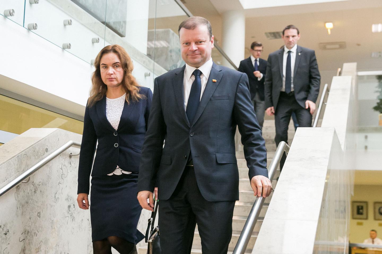 S.Skvernelis susitiko su socialdemokratų kandidate į teisingumo ministrus M.Vainiute.<br>T.Bauro nuotr.