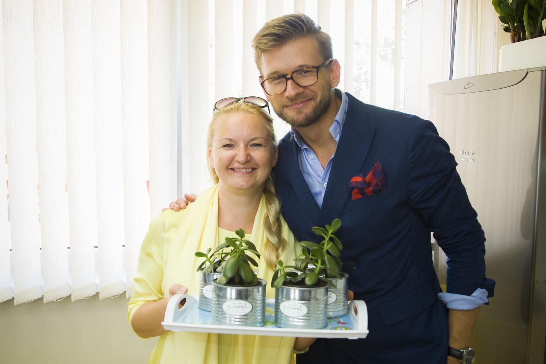 """Socialinio projekto moterims """"Trys seserys"""" įkūrėja ir įvairių socialinių akcijų vykdytoja Rima Olberkytė-Stankus nuo šiol stengsis ir pati išmokti priimti dovanas.<br>Asmeninio archyvo nuotr."""