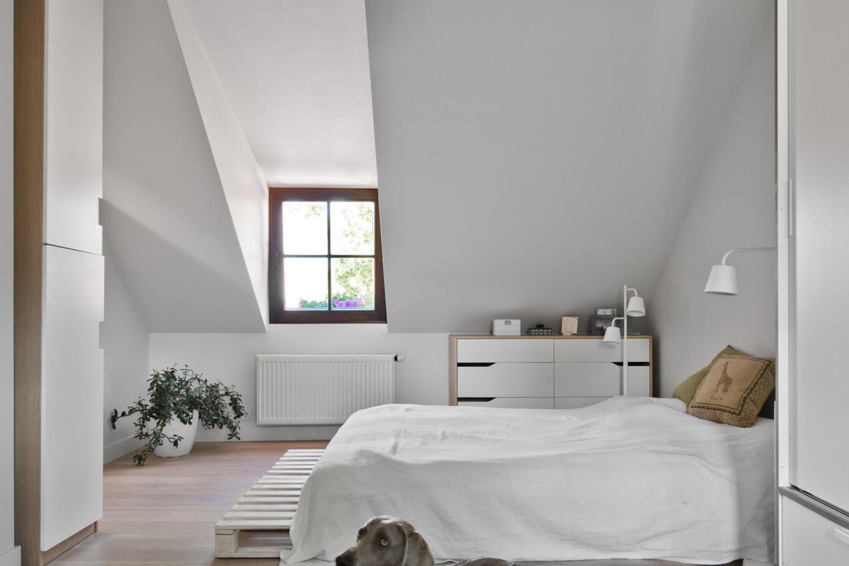 Erdvų miegamąjį vėliau bus galima padalinti į du kambarius.<br>L.Garbačausko nuotr.