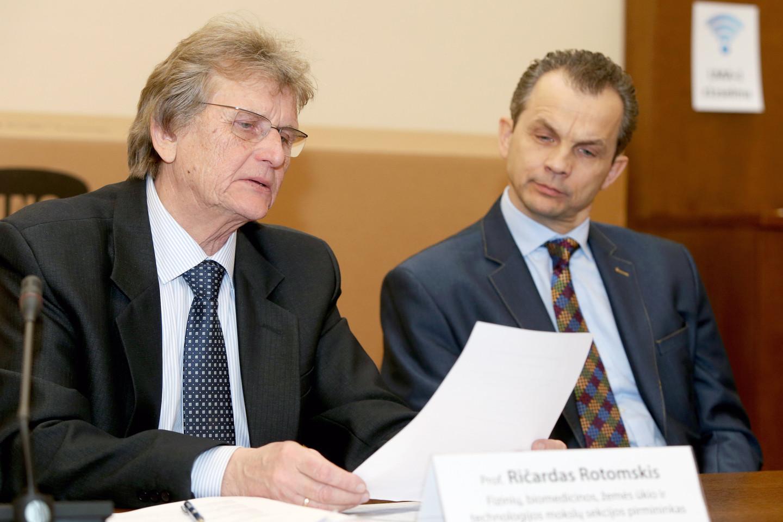 Lietuvos mokslų akademijoje pirmadienį paskelbti Lietuvos mokslo premijų laureatai.<br>R.Danisevičiaus nuotr.