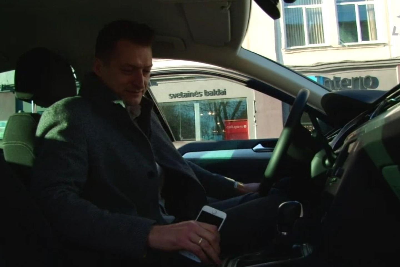 """Per keletą dienų netgi Lenkijoje spėjęs apsilankyti šiuo """"Volkswagen"""", pirkėjas pareiškė, kad automobilis neatitiko lūkesčių ir panoro atgauti pinigus.<br>Ekrano nuotr."""
