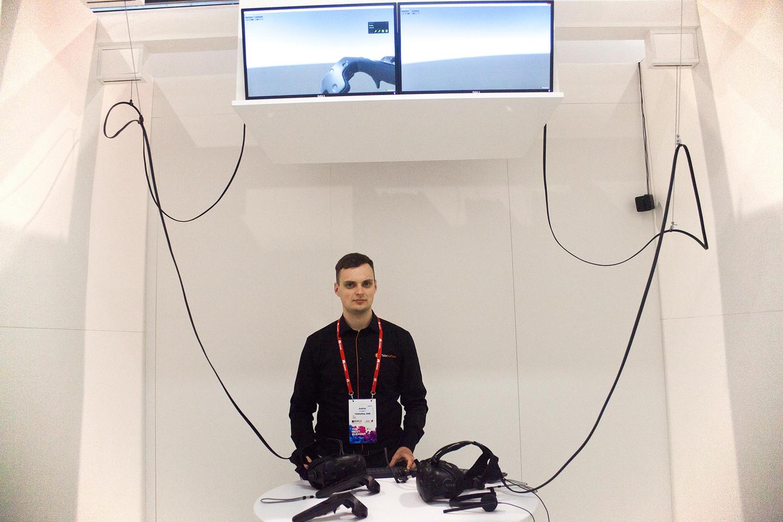 Fizinė aplinka, kurioje būna demonstracinės VR konferencijos dalyviai.<br>A. Rutkausko nuotr.