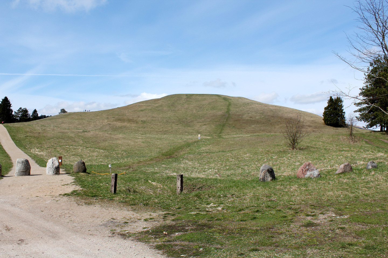 Šatrijos kalnas buvo vienas didžiausių pagonybės židinių Žemaitijoje.<br>R.Vitkaus nuotr.