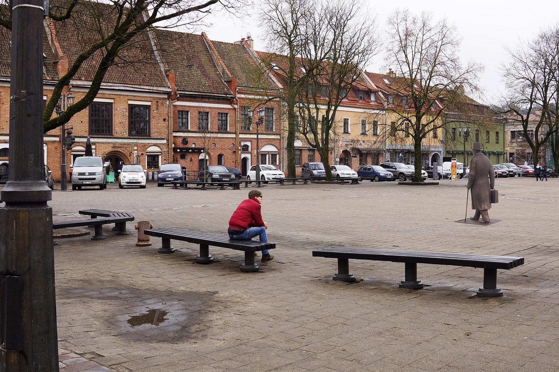 J.Vileišio paminklas Rotušės aikštėje.