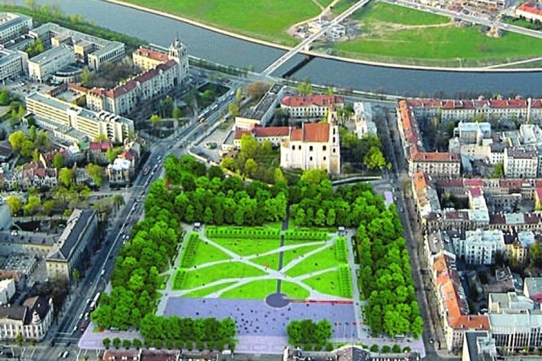 Plytelėmis bus išklota maždaug trečdalis aikštės. Kita dalis – žalioji erdvė.<br>V.Ščiavinsko nuotr.