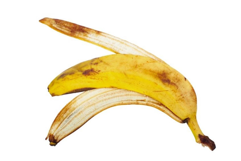 Banano žieve galima nublizginti batus.<br>123rf.com nuotr.