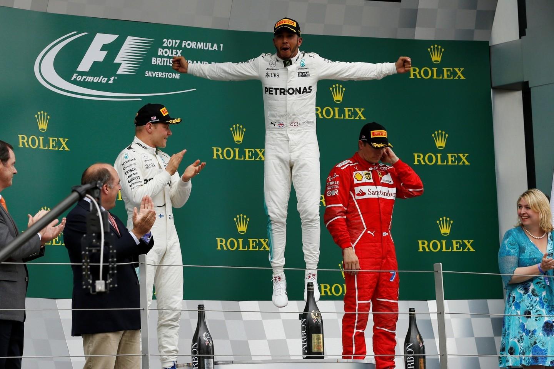 """Didžiosios Britanijos """"Grand Prix"""" lenktynių akimirka.<br>Reuters/Scanpix nuotr."""