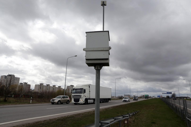 Lietuvos automobilių kelių direkcija šiuo metu testuoja matuoklių funkciją fiksuoti nuvažiuojančių transporto priemonių greitį. <br>P.Mantauto nuotr.