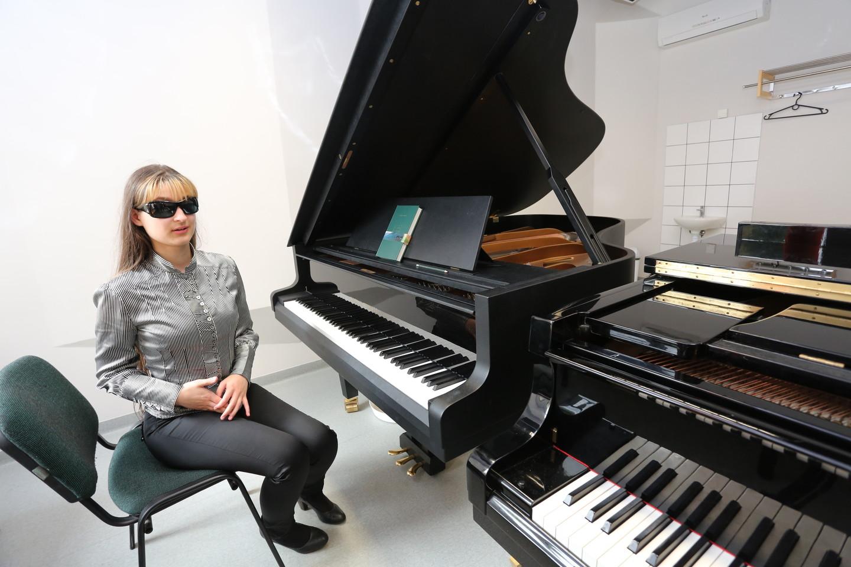 Stodama į VDU Muzikos akademiją Silvija susidūrė su įvairiomis kliūtimis.<br>M.Patašiaus nuotr.