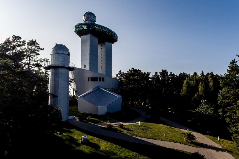 Pirmaisiais nepriklausomos Lietuvos metais ėmė kurtis dvi atskiros įstaigos: Molėtų astronomijos observatorija ir Etnokosmologijos muziejus.<br>V. Ščiavinsko nuotr.