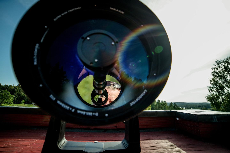 Molėtų astronomijos observatorijoje vykdomi ir mėgėjiški dangaus kūnų stebėjimai teleskopais.<br>V. Ščiavinsko nuotr.
