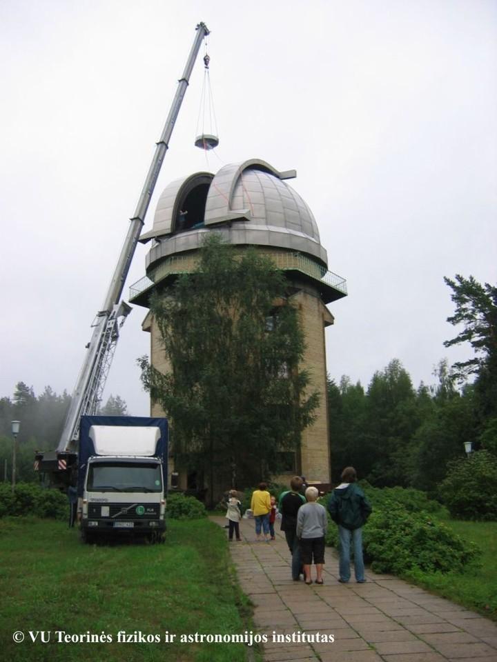 Atnaujinama Molėtų astronomijos observatorijos dangaus stebėjimo įranga.<br>Molėtų astronomijos observatorijos archyvo nuotr.