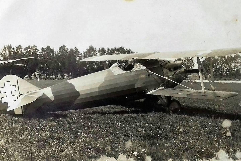 Toks lėktuvas Letov Šmolik 20L tarpukariu patyrė avariją ir nugarmėjo į Rėkyvos ežero dugną.<br>KU nuotr.