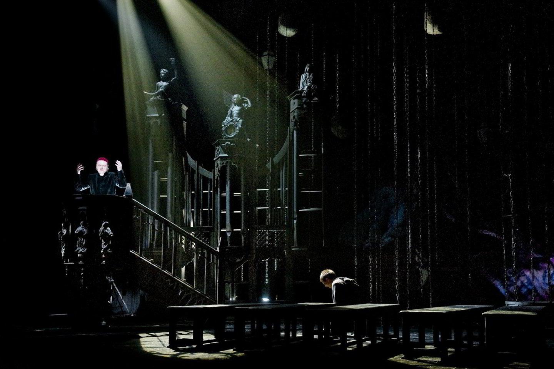 "Spektaklis ""Katedra"".<br>D.Matvejevo nuotr."