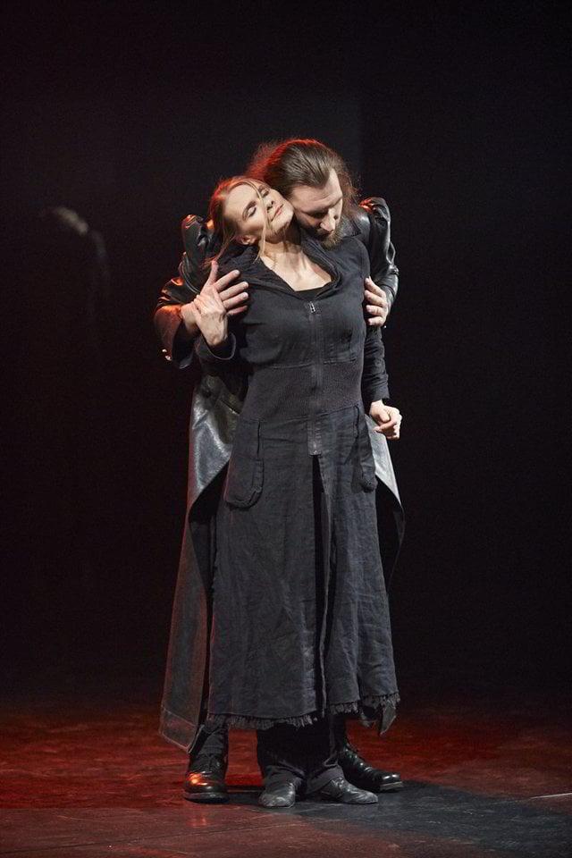 "Scena iš ""Mindaugo"" premjeros Rusų dramos teatre.<br>V.Morkvėno nuotr."
