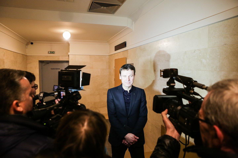 """D.Gineikaitės byloje ketvirtadienį liudijo buvęs """"MG Baltic"""" tūzas R.Kurlianskis, susisiekimo viceministro pareigas ėjęs S.Girdauskas ir kiti įtakingi veikėjai.<br>G.Bitvinsko nuotr."""