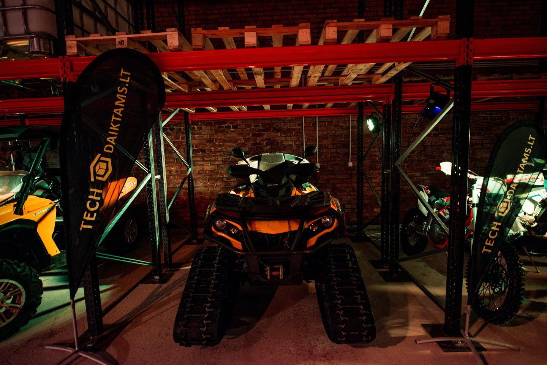 Vilniuje atidaroma įspūdinga automobilių ir kitos technikos saugykla.<br>Organizatorių nuotr.