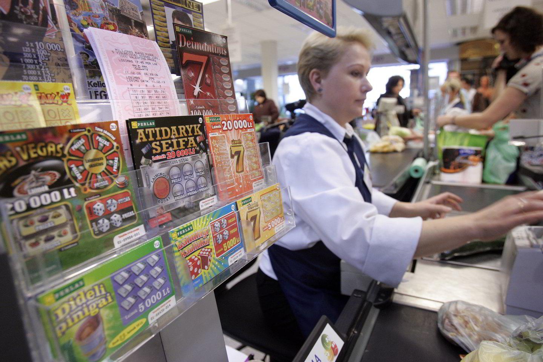 Lietuviai vėl vis daugiau perka loterijos bilietų.<br>V.Balkūno nuotr.