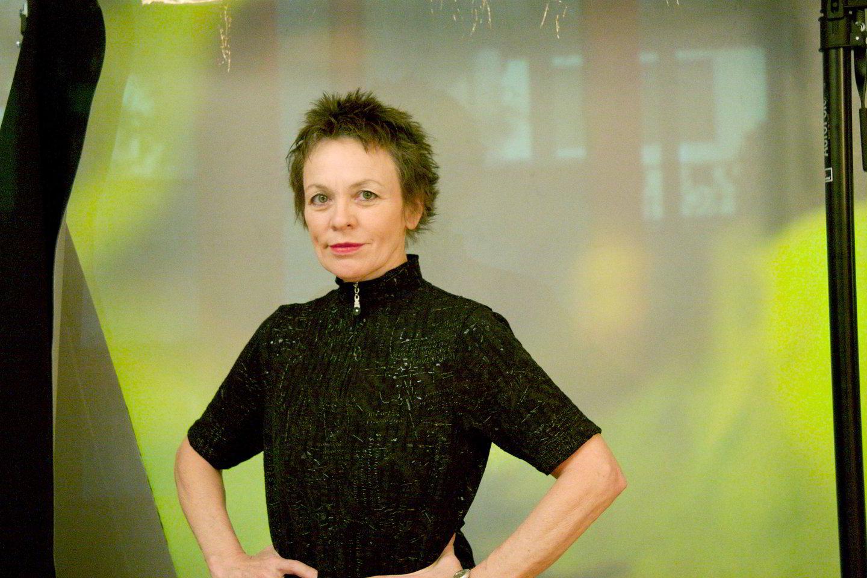 Kultinė amerikiečių menininkė Laurie Anderson.<br>Rengėjų nuotr.