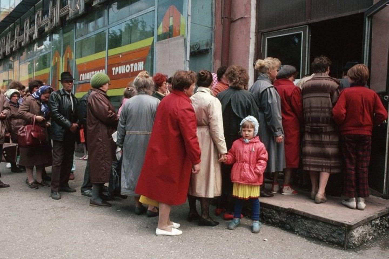 """Apie gyvenimą SSRS, kurį vieni prisimena kaip rojų, kiti kaip pragarą, apie tai, ką žmonės valgė visuotinio deficito laikais, televizijos kanalo """"Cargrad"""" interneto svetainėje """"tsargrad.tv"""" vaikystės prisiminimais dalijasi apžvalgininkas Jegoras Cholmogorovas.<br>Archyvinės nuotr."""