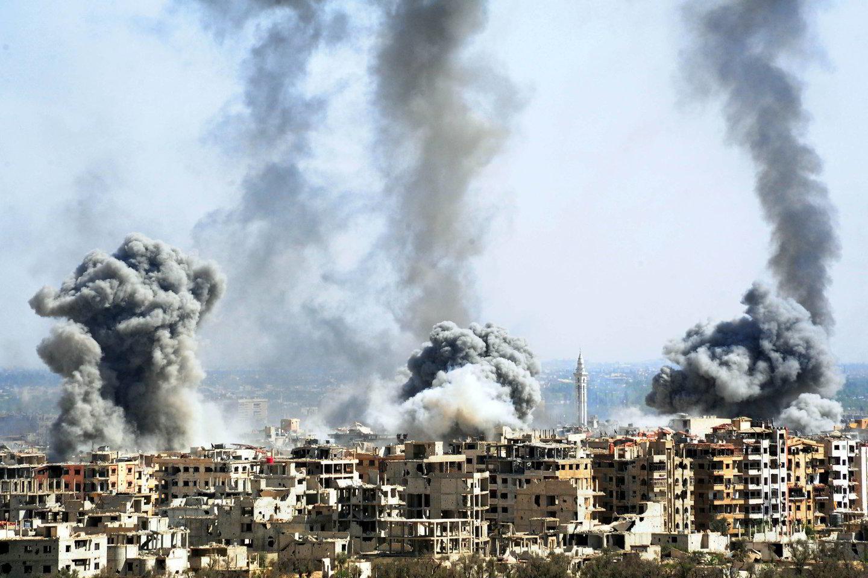 Cheminių ginklų ekspertai turi atvykti į Dumos miestą Sirijoje pradėti tirti įtariamos nuodingųjų dujų atakos.<br>Imago/Scanpix nuotr.