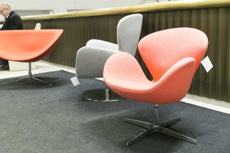 """Įmonė """"Vadasiga"""" parodoje pristatė ir biuro baldus.<br>T.Bauro nuotr."""