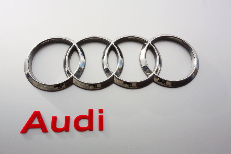 """Kuri """"Audi S3"""" pirkimo-pardavimo sutartis yra suklastota, turės nustatyti ikiteisminį dėl dokumento suklastojimo pradėję Pakruojo rajono policijos komisariato pareigūnai.<br>M.Patašiaus asociatyvi nuotrauka"""